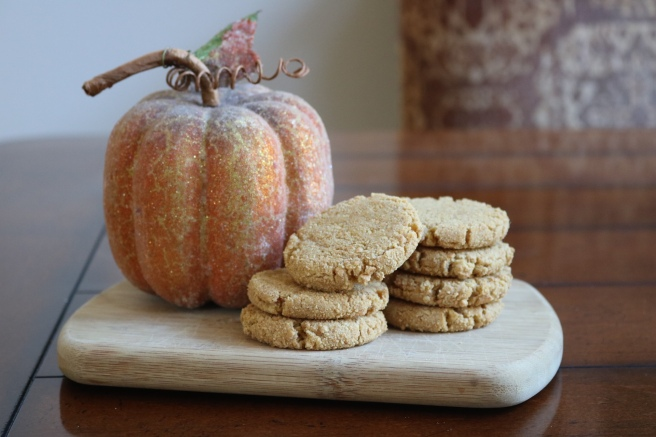 pumpkin-cheesecake-cookies-and-pumpkin