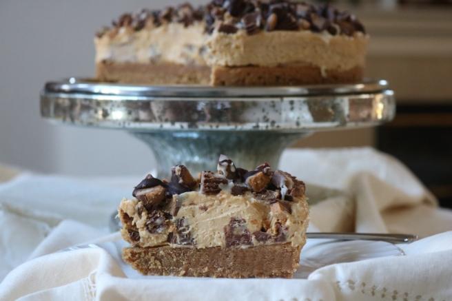 reeses-cheesecake-slice