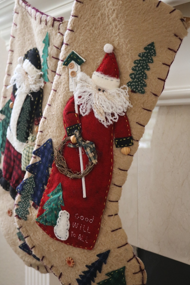 felt-christmas-stockings
