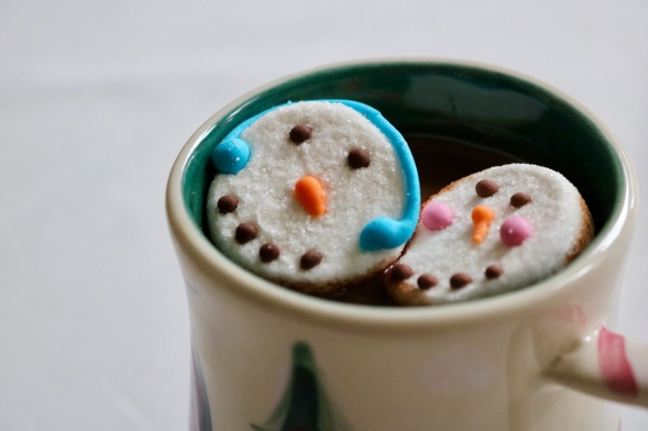 hot-cocoa-snowmen-in-cup